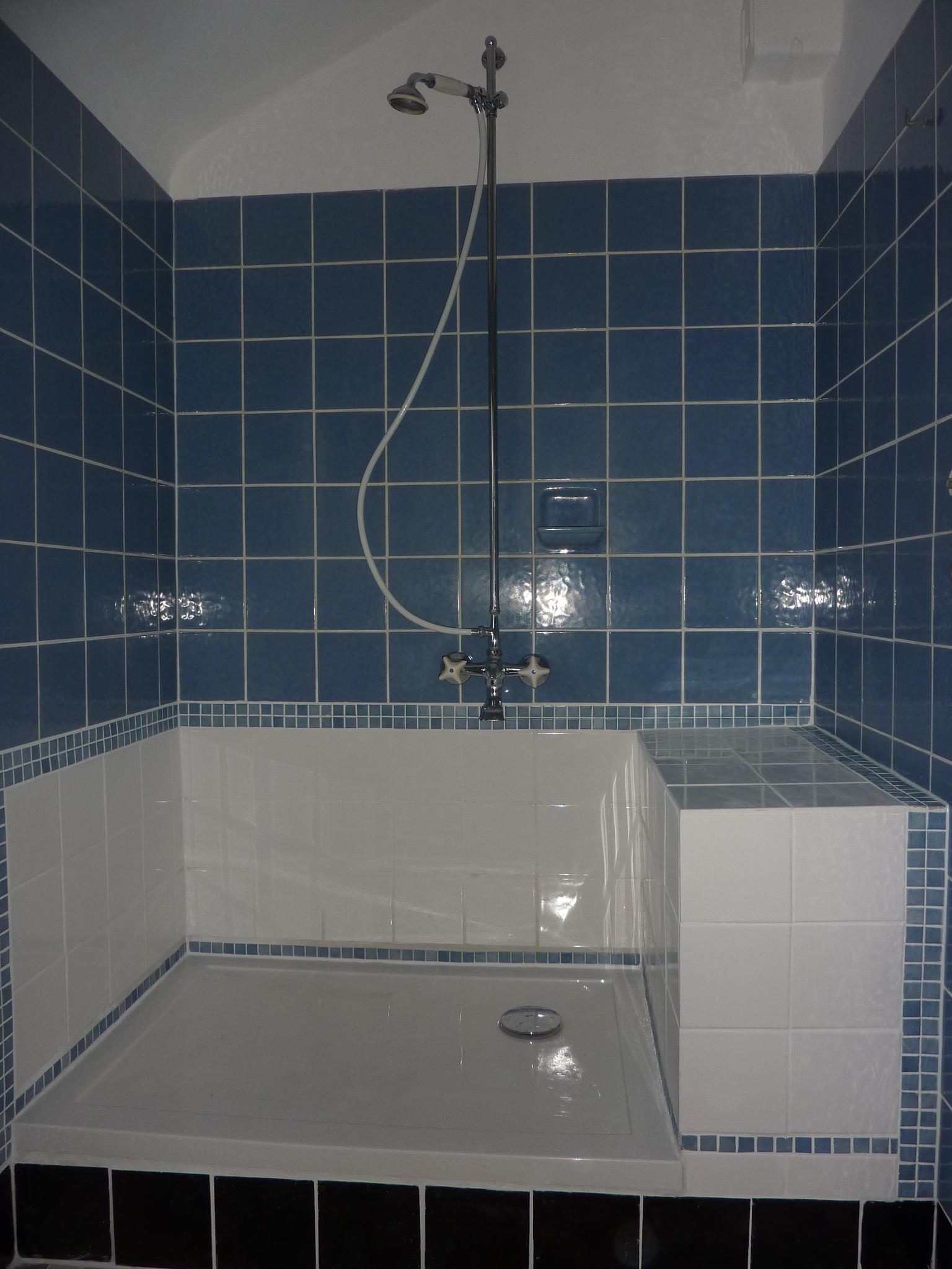 die neue dusche fertig ferienwohnung sulzburg riemschneider haus. Black Bedroom Furniture Sets. Home Design Ideas